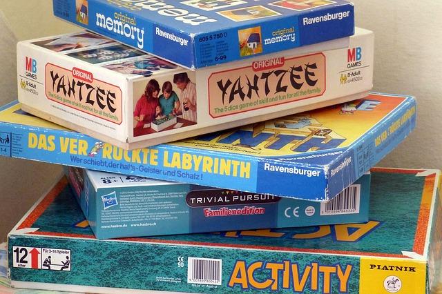 board-games-460340_640