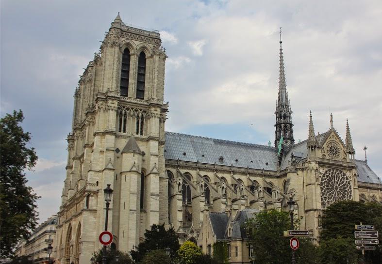 notre-dame-cathedral-paris-01